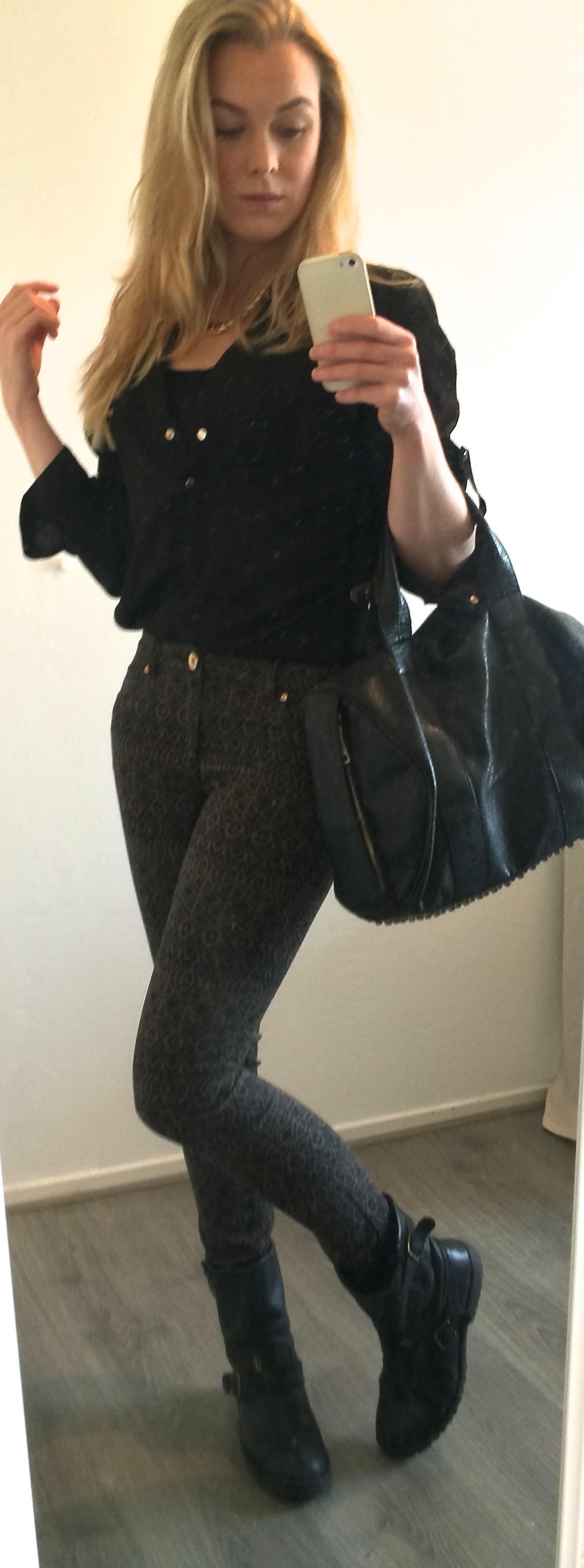 best verkocht verkoopprijzen meest populair Outfit van de dag!! Zwarte broek met print!   Estbella
